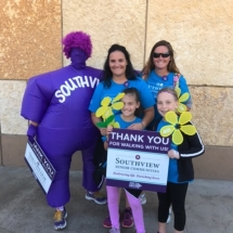 2017 Walk to End Alzheimer's Recap-Villas of Lilydale-Mother and daughter photo